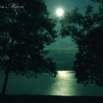 水面が奏でる月光のエチュード【秋田・田沢湖】